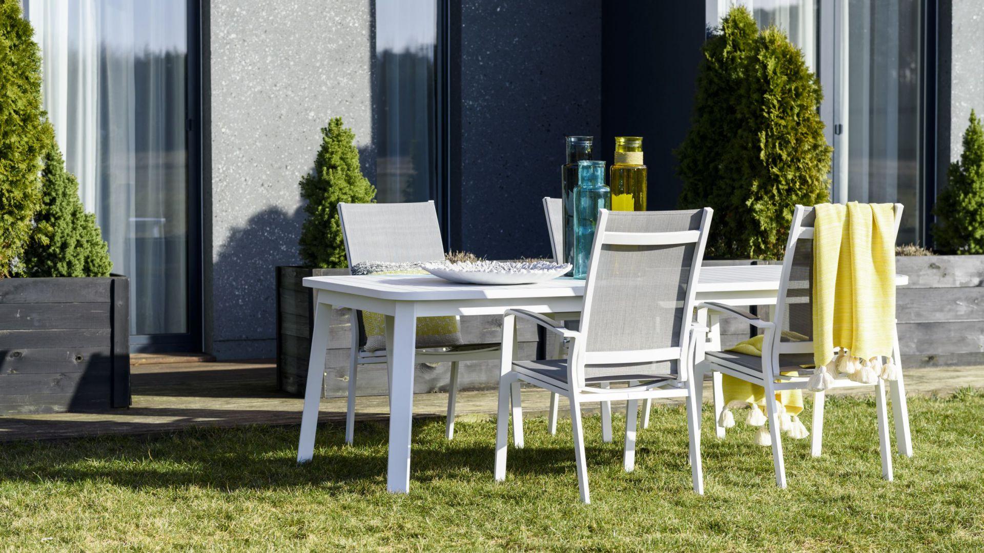 meble ogrodowe laura fot meble do ogrodu na balkon i taras 20 pi knych zestaw w. Black Bedroom Furniture Sets. Home Design Ideas
