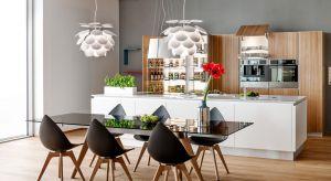 Planujesz nową kuchnię i szukasz najlepszych pomysłów na organizację jej przestrzeni? A może robisz remont i zastanawiasz się jakie meble i rozwiązania pod zabudowę wybrać, aby stworzyć ergonomiczne i wygodne wnętrze?