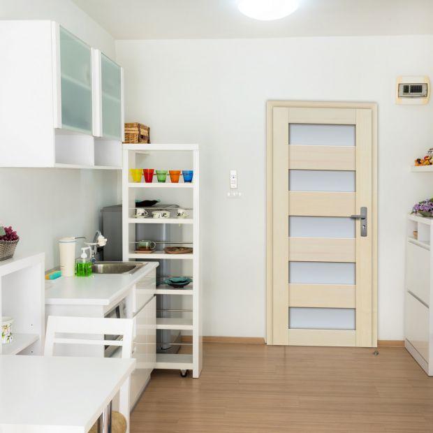 Drzwi w kuchni. Jak je ciekawie zaaranżować