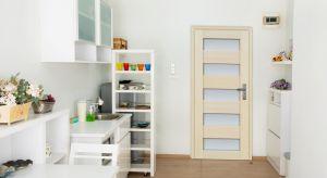 W aranżacji kuchni wszystko powinno ze sobą współgrać. Oprócz funkcjonalnych mebli i sprzętu AGD, równie ważne są piękne drzwi.