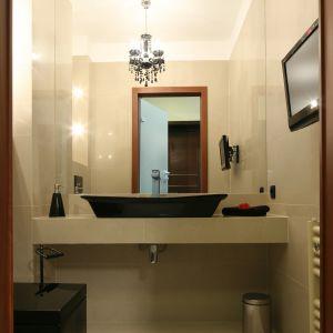 Oświetlenie lustra w łazience. Projekt: Projekt Piotr Stanisz. Fot. Bartosz Jarosz.jpg