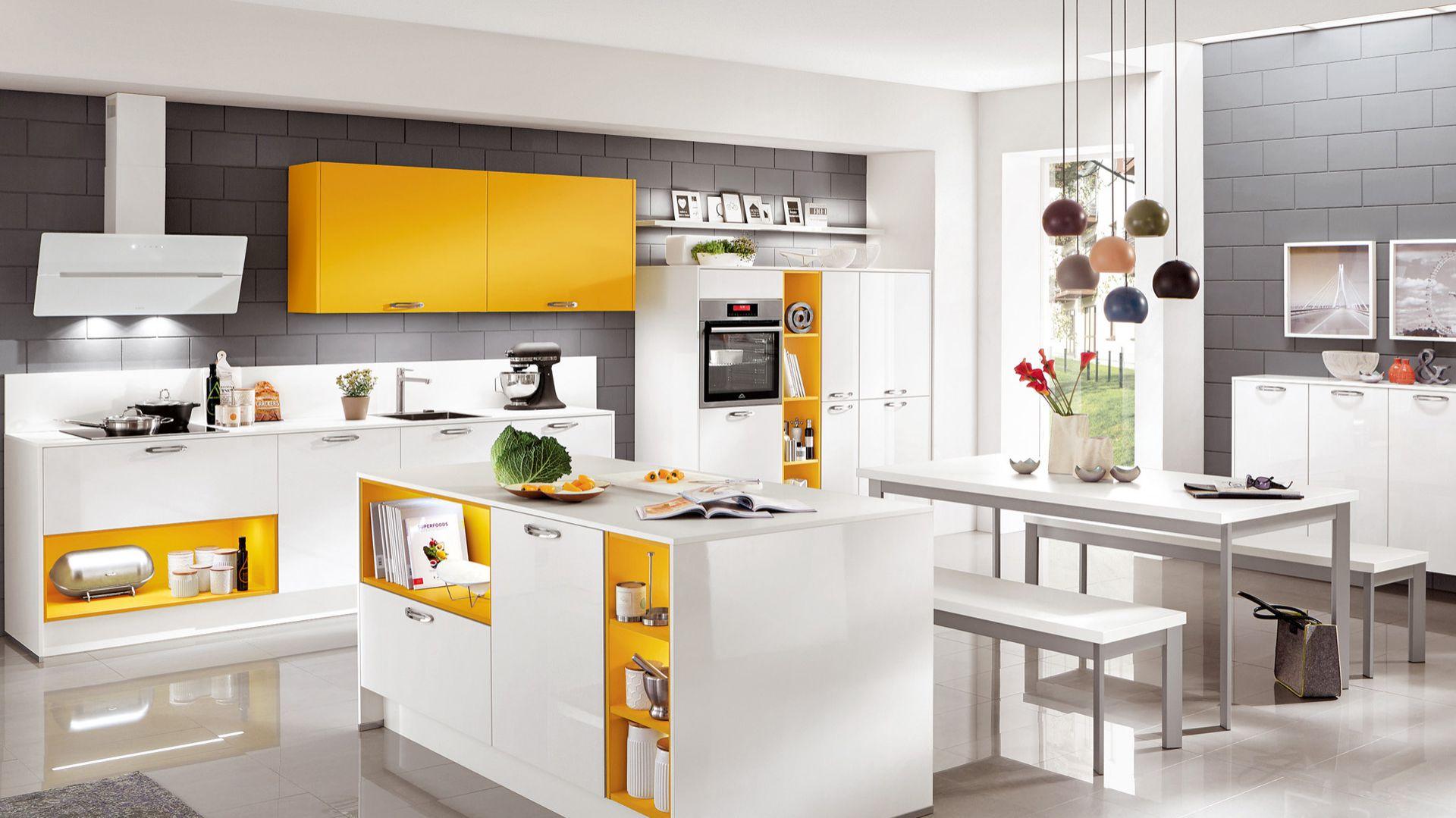Kolorowa kuchnia. Na zdjęciu: meble z kolekcji firmy Nobilia. Fot. Nobilia