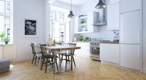 Naturalne piękna i oryginalnie ułożona drewniana podłoga będzie piękną ozdobą każdego wnętrza.