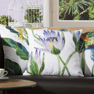 Dekoracjne poduszki w modnym stylu botanicznym. Fot. Eurofirany