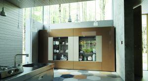 Przestrzeń dzienna idealnie dopasowana do potrzeb, a jej wyposażenie jak skrojone na miarę - to tylko niektóre możliwości nowej kolekcji mebli projektu Sandi Renko.