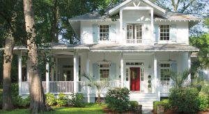 Od farb którymi malujemy powierzchnie zewnętrzne naszych domów oczekujemy zdecydowanie więcej, niż w przypadku produktów do zastosowań wewnętrznych.
