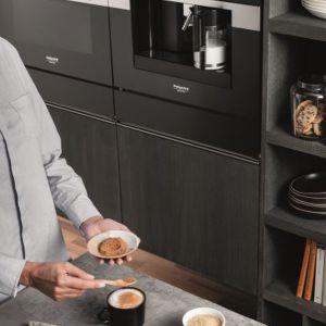 Pożywne śniadanie. Ekspres do kawy. Fot. Hotpoint