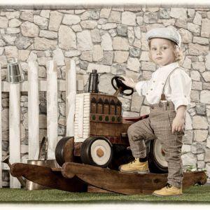 Meble i zabawki dla dziecka. Bujak Tractor. Fot. Dekoria.pl