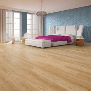 Podłogę drewnianą najlepiej obramować listwą z tego samego rodzaju drewna w tej samej kolorystyce. Fot. Baltic Wood