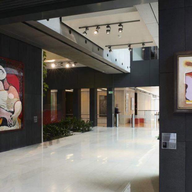 Sztuka w miejscu pracy: nowa moda w biurach