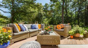 Aranżacja tarasu powinna przede wszystkim sprzyjać wypoczynkowi, ale również pozytywnie wpływać na estetykę otoczenia domu i pomieszczeń posiadających wyjście na ogród.