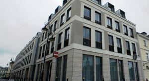 Poza nowymi, często spektakularnymi projektami, wysokiej klasy powierzchni biurowej w Warszawie dostarczają także licznie rewitalizowane kamienice.