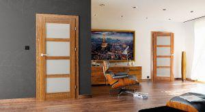 Odpowiedni kolor ścian, wygodne i ergonomiczne meble, ciekawe dodatki – każdy z tych elementów odgrywa ważną rolę w dziecięcym pokoju, dlatego ich wybór powinien być wyjątkowo przemyślany. Równie istotne jest dopasowanie właściwych drzwi.