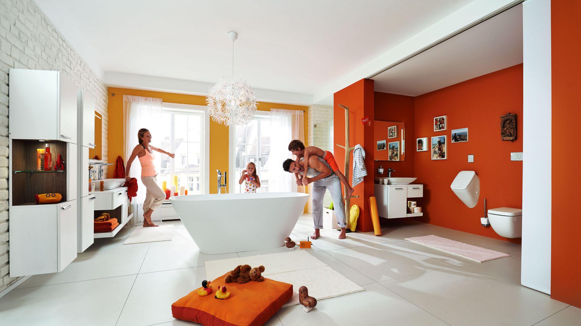 Urządzamy łazienkę. Na zdjęciu: produkty z serii Vigour white.