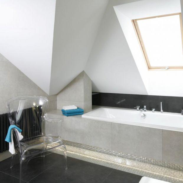 10 projektów łazienek na poddaszu