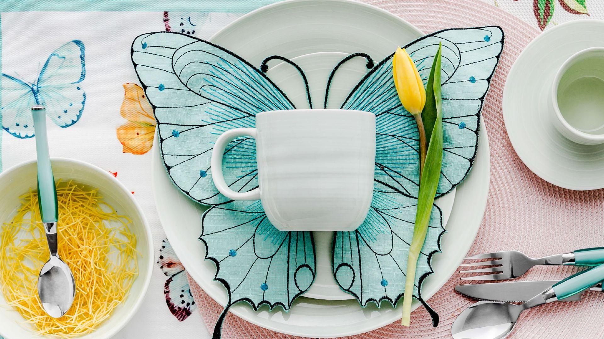 Kolorowe serwetki ALEXANDRA zachwycają zarówno kształtem pięknego motyla, jak i wiosennymi barwami. 15 zł. Fot. Home&You