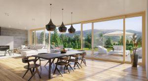 Coraz większe okna fasadowe i komfortowe drzwi balkonowe to ważne elementy architektoniczne współczesnych domów. Dlatego ich nowoczesne wzornictwo powinno iść w parze z innowacyjną konstrukcją i wysokimi parametrami użytkowymi.