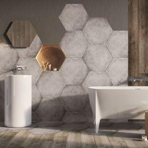 Płytki gresowe HEXON o supermodnym formacie heksagonów i powierzchni imitującej beton. Fot. Ceramstic