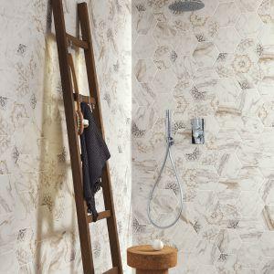 W kolekcji BISTROT tradycyjne materiały takie jak majolika, cementowe płyty, marmur, drewno posłużyły do stworzenia współczesnych kompozycji ceramicznych. Fot. Ragno