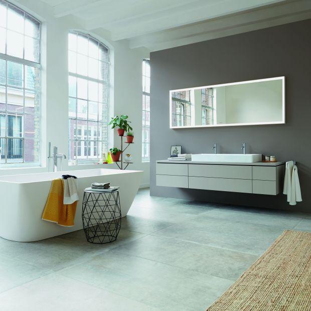 Aranżujemy łazienkę: nowoczesne umywalki i wanny