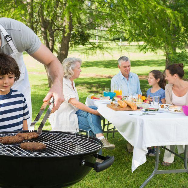 Sposoby na szybkie i skuteczne czyszczenie grilla