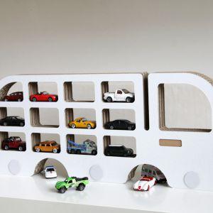 Polka Unlimited Design For Children Auto jadące w prawo, cena: ok. 109zł. Fot. Bonami.pl