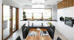 Współcześnie kuchnia to przestrzeń otwarta, skłaniająca do bycia w kontakcie z rodziną czy przyjaciółmi, zachęcająca do wspólnego spędzania czasu z bliskimi.Zobaczcie jak ją urządzić.