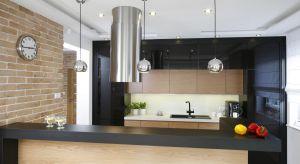 Domowa kuchnia to pomieszczenie, w którym przecinają się drogi wszystkich domowników. Dlatego powinna być nie tylko nowoczesna i funkcjonalna, ale także ciepła i przytulna.