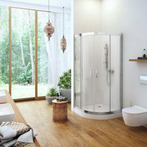 Półokrągła kabina prysznicowa Seria 201 wyposażona w klasyczne uchwyty, ze szkła z powłoką Clean Control ułatwiającą czyszczenie. Fot. Excellent