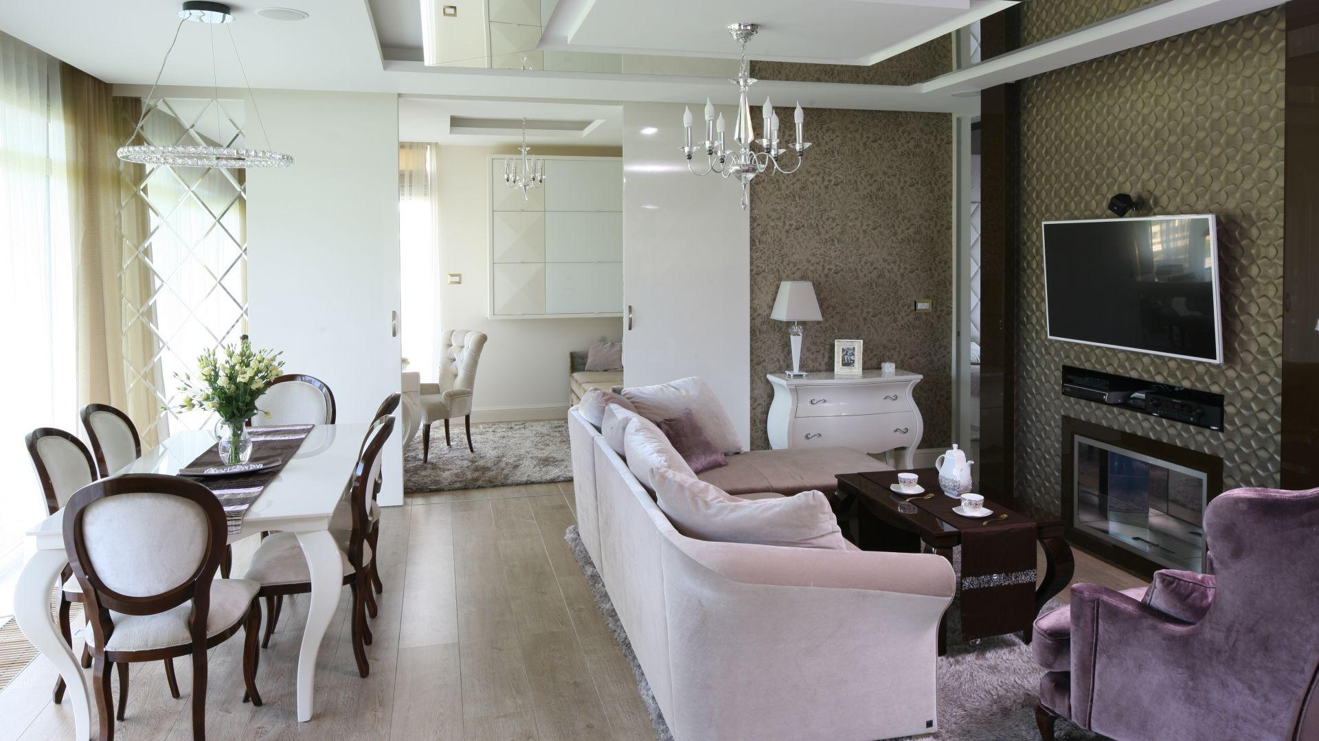 Salon w stylu glamour - 10 wnętrz  z polskich domów