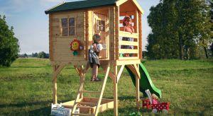 Wspaniałym rekwizytem, który sprzyja zabawom tematycznym i ruchowym jest drewniany domek ogrodowy przeznaczony do samodzielnego montażu. Nawet niewielki przydomowy ogródek i mała działka mogą okazać się wystarczające, by umieścić w nich lekką