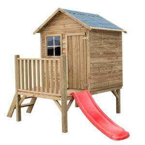 Domek Tomek. Na niedużą część niezadaszoną wchodzi się po trzech stabilnych schodkach. Wolną przestrzeń pod podłogą można wykorzystać, jako dodatkowe miejsce podczas zabaw tematycznych albo schowek na ogrodowe zabawki dziecięce, jak piłki czy jeździki. Fot. 4IQ