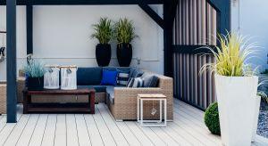 Co zrobić w sytuacji, kiedy do urlopu daleko, a o własnym ogrodzie czy działce możemy tylko pomarzyć? Wykorzystać do maksimum to, co daje nam balkon albo taras. Najlepiej oczywiście niskim kosztem – satysfakcja gwarantowana!