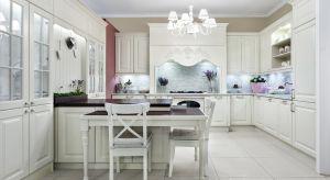 Styl wiktoriański wywodzi się z Wielkiej Brytanii. Jest elegancki i wyrafinowany, we wnętrzu doskonale prezentuje się w przestrzeni kuchni.