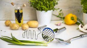 Co prawda Akcesoria kuchenne odgrywają drugoplanową rolę, ale nie ustępują w przydatności solidnym stalowym garnkom z kapslowym dnem, profesjonalnym patelniom i wielu innym kuchennym sprzętom.