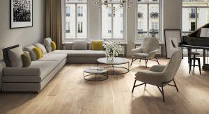 Wybór idealnej podłogi nie jest prostą sprawą. Jeżeli spośród różnych, dostępnych opcji kierujemy się w stronę drewnianej podłogi,będziemy musieli odpowiedzieć sobie na pewne pytania.