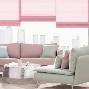 """Choć do małego mieszkania można wprowadzić różnorodne formy dekoracyjne i style wnętrzarskie, dobrze, by w małych przestrzeniach obowiązywała zasada """"mniej znaczy więcej"""". Fot. Dekoria.pl"""