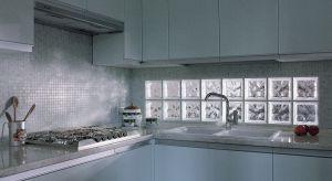 Kuchnia jest pomieszczeniem, w którym luksfery świetnie się sprawdzają. Nie ograniczają dostępu światła i są łatwe w utrzymaniu czystości. A ich kreatywne wykorzystanie podpowiadają bogate kolekcje wzorów i kolorów oraz własna wyobraźnia.