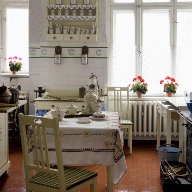 Aranżacja kuchni: zobacz jak się zmieniała na przestrzeni  100 lat