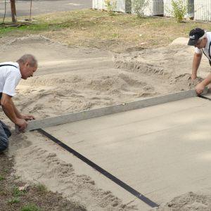 Budowa tarasu  ogrodzie krok po kroku. Fot. Probet-Dasag