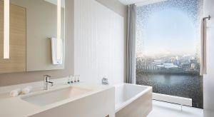 Stylowe umywalki, brodziki, czy akcesoria łazienkowe, wykonane z innowacyjnych materiałów, pozwalają tworzyć unikatowe wnętrza, które wyznaczają standardy i kreują trendy. Tak jest również w hotelu mieszczącym się w kompleksiehamburskiej El