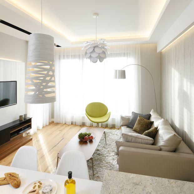 Salon w małym mieszkaniu. 10 pięknych zdjęć