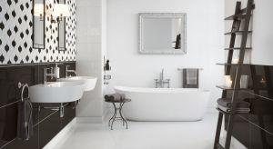 Łazienka urządzona w bieli będzie zachwycać czystością i spokojem. To także doskonałe tło dla różnokolorowych dodatków.