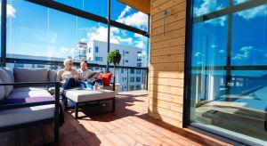 Harmonia i relaks, to esencja fińskiego stylu. Jeśli w Twoim mieszkaniu zdecydowanie ich brak, to najwyższy czas to zmienić. Jak? Mamy dla Ciebie kilka przydatnych rad.