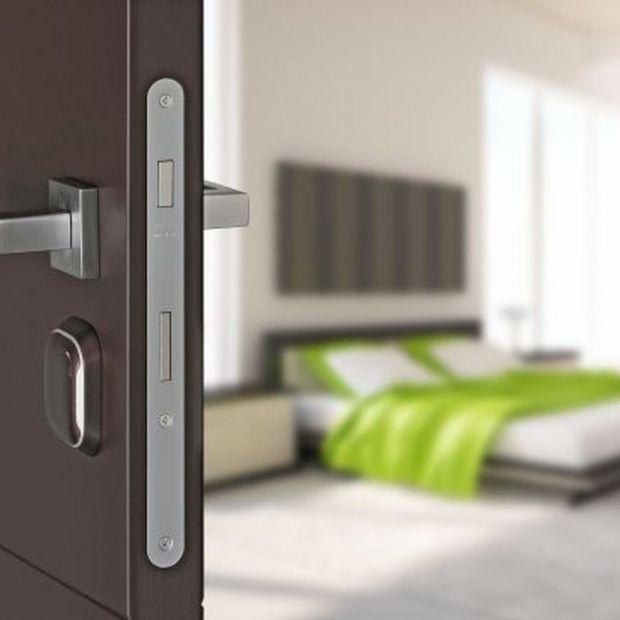 Bezpieczne i ciche drzwi: wybierz nowoczesne zamki