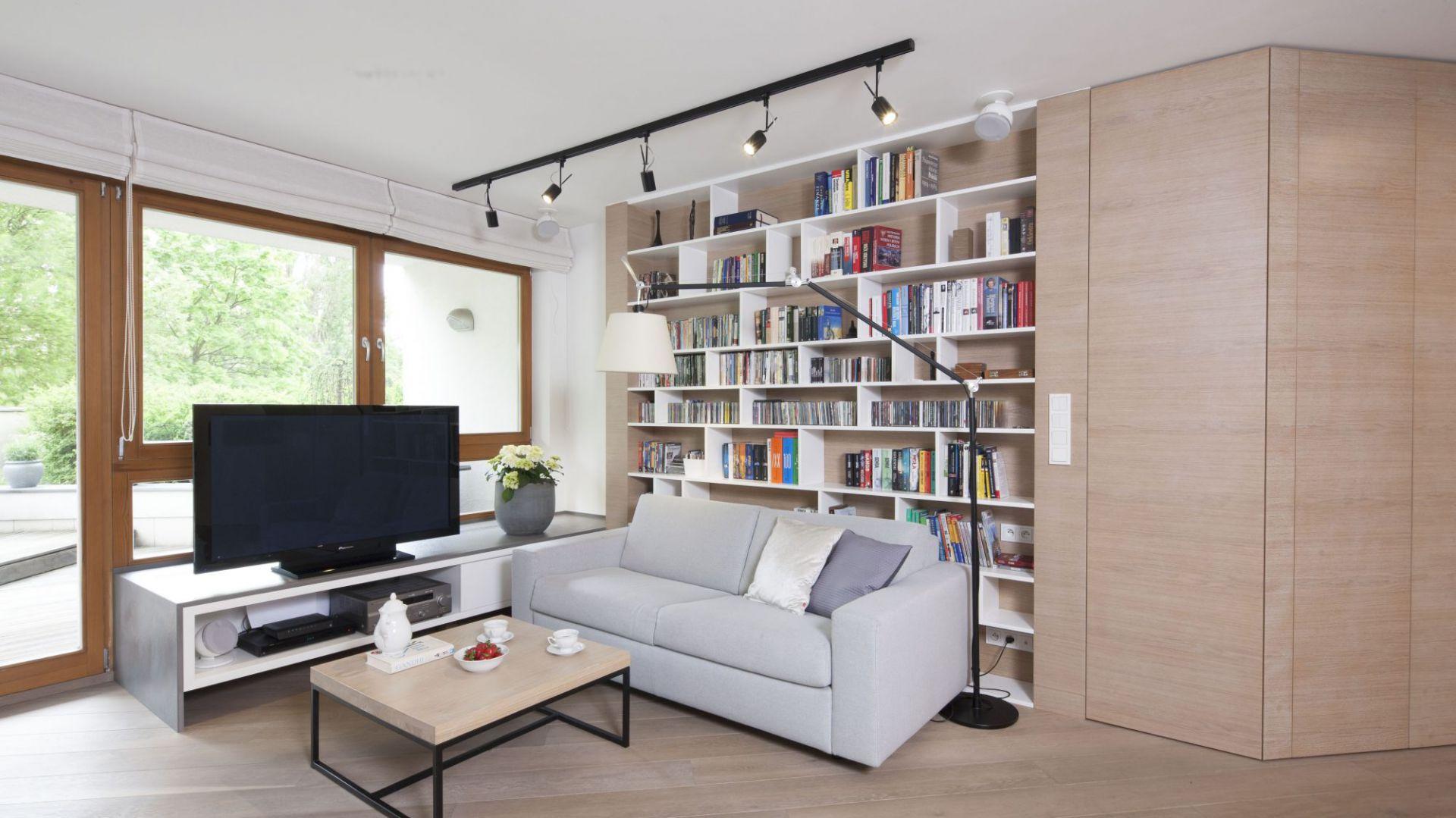 Domowa biblioteka. 20 pomysłów na przechowywanie książek