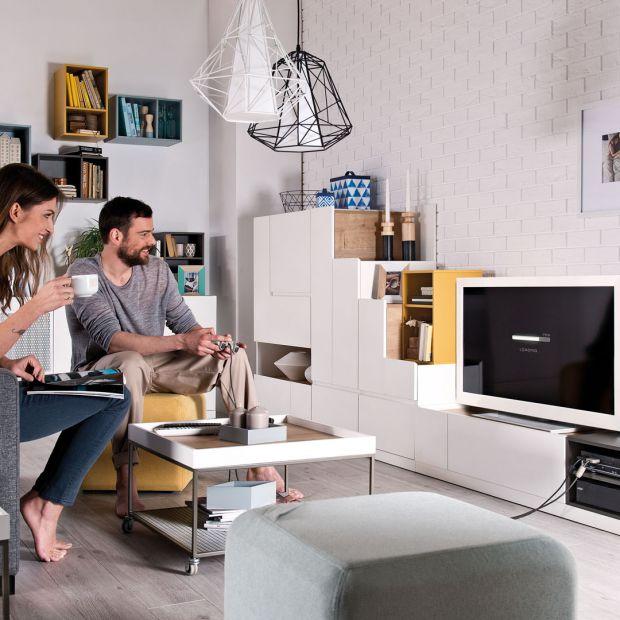 Nowoczesny salon. 10 pomysłów na meble RTV