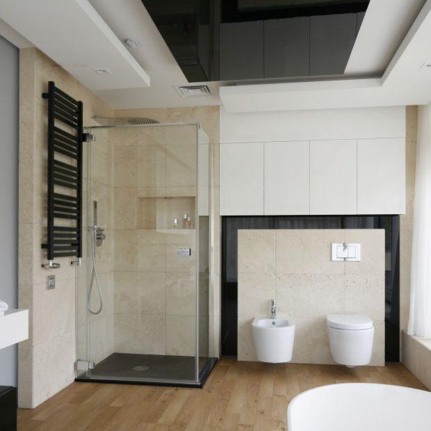 10 modnych pomysłów na kabinę prysznicową w narożniku