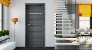 Nowoczesne i eleganckie drzwi, które nadadzą wnętrzu naturalną lekkość.