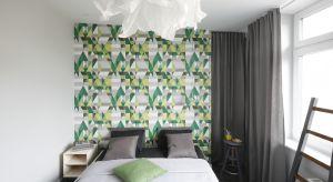 W jasnych wnętrzach łatwiej się odprężyć i zrelaksować. Urządzając sypialnię, warto więc pomyśleć o jasnych barwach - nie tylko ścian, ale również mebli lub dodatków.